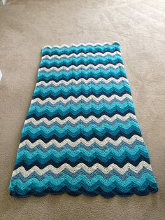 The Crochet Crowd Ocean Waves Throw 1