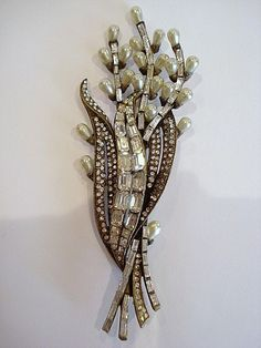 "Staret Glass Pearl & Rhinestone Brooch  This brooch is 5"" long."