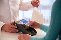 Index - Brand and Content - A jövő prémium bankkártyái már fémből készülnek Walkie Talkie, Pharmacy, Smartphone, Content, Technology, Shopping, Design, Tech, Apothecary