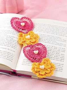 Crochet - Hearts & Flowers Bookmark - #EC01069