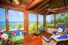 Home away from from home! http://www.flexmls.com/share/EEHB/Casa-Todorojo-Beachfront-Home-Lawson-Rock-Roatan-