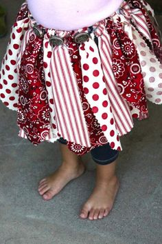 Fabric tutu. Can use this idea for Jade's cowgirl costume!