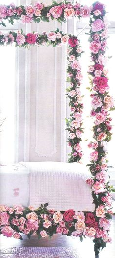 28 Spring Bedroom Decor With Floral Theme - Home Design My New Room, My Room, Spare Room, Bed Of Roses, Four Poster Bed, Rose Cottage, Beautiful Bedrooms, Dream Bedroom, Master Bedroom
