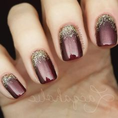 68 Trendy Nail Art Designs to Inspire Your Winter Mood winter nails; red and gold nail art designs. Red And Gold Nails, Gold Nail Art, Red Gold, Gold Gel Nails, Glitter Nail Polish, Nailart, Special Nails, Gel Nagel Design, Trendy Nail Art