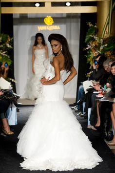 PEONY with attitude #weddingdress #yumikatsura