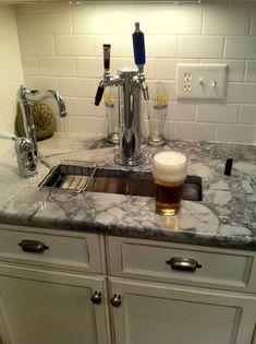 Home bar with kegerator butler pantry 51 Ideas for 2019 Layout Design, Design Design, Design Ideas, House Design, Interior Design, Wet Bar Basement, Basement Kitchen, Basement Ideas, Basement Laundry