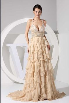 Vestido color beige para boda civil