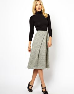 Obsessed with grey! Get me this!!!///LOVE this midi skirt