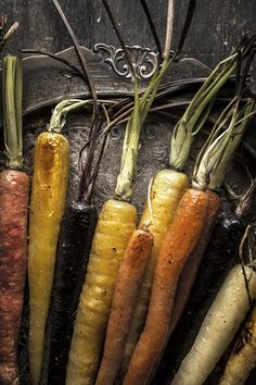 Honey Roasted Carrots are a simple, easy and delicious side to your usual go-to weeknight recipes. Side Dishes For Chicken, Best Side Dishes, Side Dish Recipes, Cookout Side Dishes, Rustic Food Photography, Clear Soup, Honey Roasted Carrots, Food Design, Fruits And Vegetables