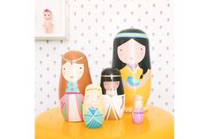 Poupées russes en bois thème Princesses du monde, Sketch, www.oranjade.com