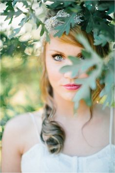 Le Magnifique Blog: Wedding & Travel Inspiration : Romantic Bridal Shoot by Lora Grady Photography