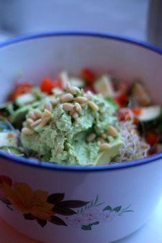 Avocado Salade - De Groene Meisjes http://www.degroenemeisjes.nl/avocado-salade