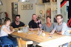 Happy People Working @ Le Marais Deux & Koffie with the artist Dirk Bours #maastricht #lemaraisdeux&koffie #enjoy #art #coffee #terracce #clothes #bikes @ Jekerkwartier