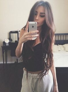 Just love this long hairstyle