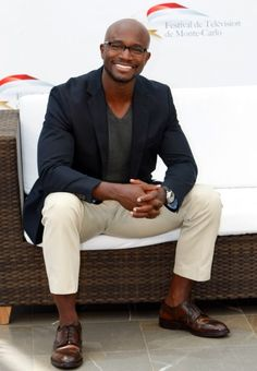 taye-diggs.....proper v with sport coat