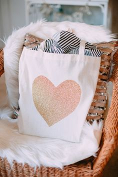 DIY: Glitter Heart Tote Bag