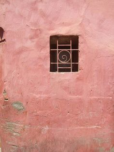 Pink Wall, Marrakech - I wonder what pigment us used to achieve this glorious pink?!