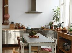 metal and wood and plants, oh my! #home #decor #kitchen