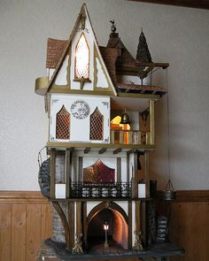 Tudor dolls houses and fantasy dolls houses - Gerry Welch Manorcraft Dolls…