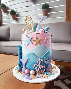 35 Pretty cake designs for any celebration, pretty birthday cake ideas, celebration cakes birthday cake ideas, birthday cake photos Pretty Birthday Cakes, Mermaid Birthday Cakes, Little Mermaid Birthday, Mermaid Cakes, Pretty Cakes, Mermaid Cake Pops, Barbie Birthday Cake, Sirenita Cake, Bolo Sofia
