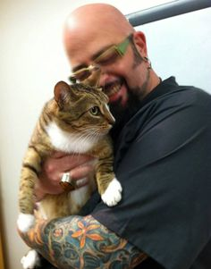 To all the wonderful cat dad's .including the top Cat Daddy Jackson Galaxy Cat Behaviorist host from the TV Show Animal Planet's My Cat From Hell. thanks you for loving and caring your cats! Crazy Cat Lady, Crazy Cats, Show Me Cats, Animal Tv, Jackson Galaxy, Galaxy Cat, Feline Leukemia, Kitten Care, Cat Dad