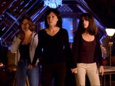 Charmed Season 1, Charmed Tv Show, Piper Charmed, Charmed Sisters, Holly Marie Combs, Rose Mcgowan, Alyssa Milano, Empowering Songs, Julian Mcmahon
