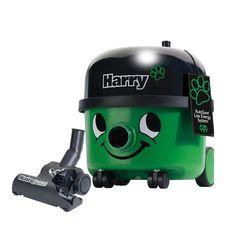 Harry HHR200A Odkurzacz do pracy na sucho Odkurzacz profesjonalny przeznaczony do zbierania zanieczyszczeń suchych, wyposażony standardowo w turboszczotkę o szerokości 200mm do zbierania sierści zwierząt domowych z wykładzin, tapicerek itd. Trwała, estetyczna obudowa z mechanicznym zwijaniem przewodu, dwubiegowa i cicha praca to główne zalety tego profesjonalnego sprzętu. Możliwość doposażenia w filtr antyalergiczny oraz ssawki do wyczesywania sierści.