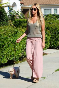 95e390fe2558 Ashley Tisdale...love this skirt and knit tank! Ashley Tisdale