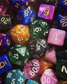 #dice #dnd #taz #gold #green #pink #blue #purple #black #speckled #pearlescent #glitter #translucent #aesthetic