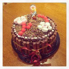 Birthday cake. Poirier #cuisine #cooking