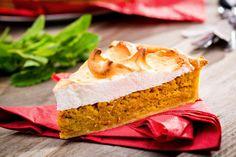 Tarta cu dovleac si bezea No Cook Desserts, Vanilla Cake, Cooking, Sweet, Food, Pies, Kitchen, Candy, Essen