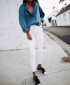 Total look jean slim écru Fashion Casual, Fashion Mode, Look Fashion, Womens Fashion, Fashion News, Jeans Skinny Blanc, White Skinny Jeans, White Denim, Jean Outfits