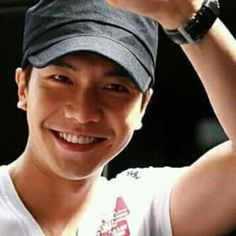 I can't stand it ! He is so freakin handsome! Lee Sang Yoon, Lee Sung, Lee Seung Gi, Asian Actors, Korean Actors, Sexy Asian Men, Asian Guys, Brilliant Legacy, Gumiho