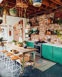 kitchen remodel with island / kitchen remodel . kitchen remodel on a budget . kitchen remodel before and after . kitchen remodel with island . Interior Design Kitchen, Home Design, Design Ideas, Kitchen Designs, Design Design, Interior Design Plants, Colorful Interior Design, Interior Modern, Design Styles