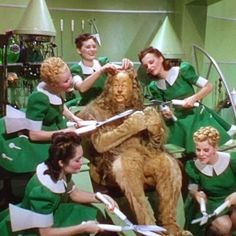 Bert Lahr as the Cowardly Lion, 1939 Wizard Of Oz Movie, Wizard Of Oz 1939, Classic Tv, Classic Movies, Bert Lahr, Victor Fleming, Cowardly Lion, Broadway, Land Of Oz