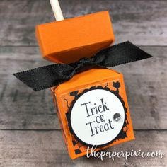 Lollipop Box with Video Tutorial - The Paper Pixie Halloween Paper Crafts, Halloween Gifts, Halloween Cards, Halloween 2020, Halloween Decorations, Halloween Treat Holders, Envelope Punch Board Projects, Pixie, Tootsie Pops