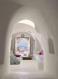 Perivolas luxury hotel in Santorini 12