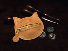 Tokok ,kulcstartók man puts hand up woman's skirt - Woman Skirts Small Leather Wallet, Leather Ring, Handmade Leather Wallet, Leather Gifts, Leather Keychain, Leather Tooling, Leather Jewelry, Diy Leather Projects, Leather Diy Crafts