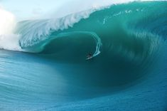 Keala Kennelly made the statement of the week with this oversized bomb. One of the biggest waves ever ridden at Teahupo'o no doubt.