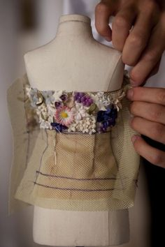 Trendy Ideas for embroidery ideas fashion christian dior Couture Embroidery, Couture Sewing, Embroidery Ideas, Christian Dior, Pattern Cutting, Pattern Making, Moda Barbie, Dior Haute Couture, Fashion Dolls