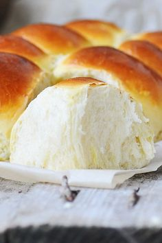 Copycat School Lunchroom Cafeteria Rolls Recipe Create Perfect Melt In The Mouth Dinner Rolls Cookin Bread Recipes, Cooking Recipes, Cooking Kale, Cooking Pumpkin, School Lunch Recipes, School Lunches, Cafeteria Food, Lunch Room, Beignets