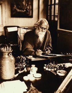 Rabindranath Tagore at his painting desk, Government School of Art, Calcutta (Kolkata), 1932 (India).  S)