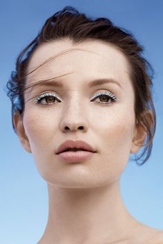 Emily Browning ♚
