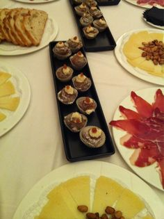 Twitter / TravelandTwitts: Magdalenas con aceitunas y queso