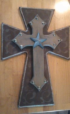 I made a pass out of pallet Decor by means of FollowPics - Decorating Wooden Crosses Ideas