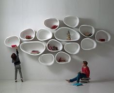 Favo Shelf System by Imperfettolab encourages you to play with organic shapes to create the home landscape you desire. Shelving Racks, Bookcase Shelves, Wall Shelves, Modular Shelving, 70s Furniture, Furniture Makeover, Furniture Design, Furniture Ideas, Regal Design