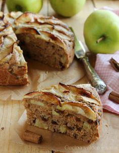 torta integrale alle mele Diabetic Desserts, Vegan Desserts, Vegan Sweets, Healthy Sweets, Apple Recipes, Sweet Recipes, Tortilla Sana, Torte Cake, Breakfast Cake