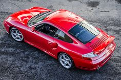 Porsche 996 Turbo rouge
