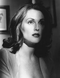 Julianne Moore as good as she looks in Black and White it does take away her distinctive quality those Freckles