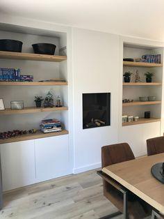 Lifs interieuradvies & styling www. Living Room Shelves, Built In Shelves Living Room, Recessed Shelves, Minimalist Living Room, Home Library Design, Luxe Dining Room, Shelves, Living Room Designs, Home Decor
